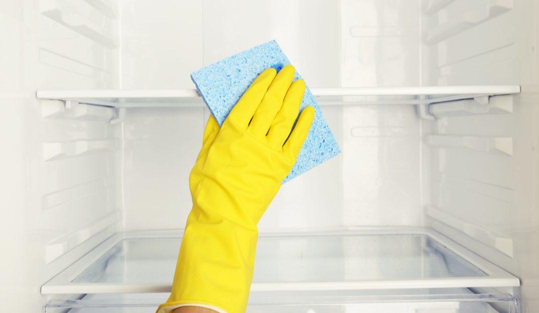 Cómo limpiar tu refrigerador sin contaminar los alimentos