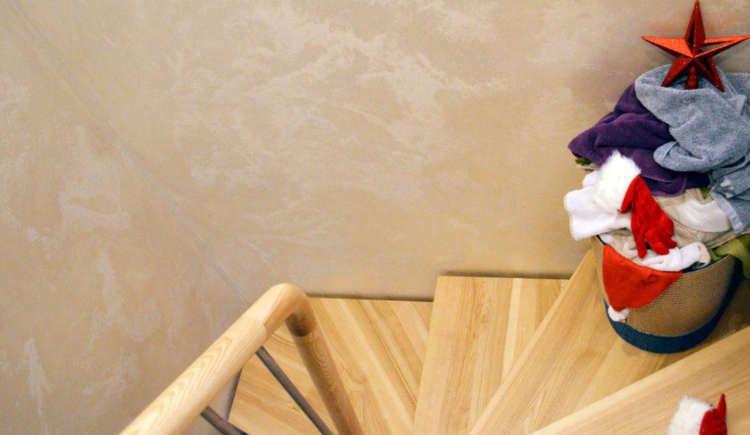 Elimina las manchas de comida o bebidas de la tapicería, ropa o la alfombra