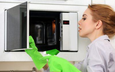 3 Pasos para limpiar el microondas