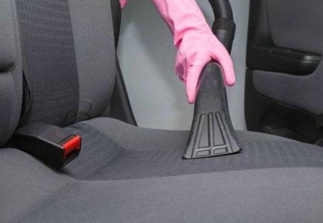 Cómo lavar tapicería de los asientos de tu carro
